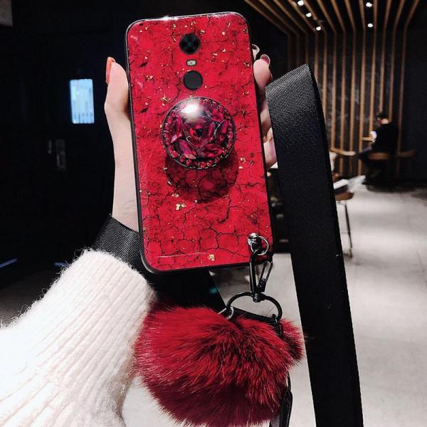 Силиконовый чехол с попсокетом и меховым помпоном для Xiaomi Redmi 5 Красный