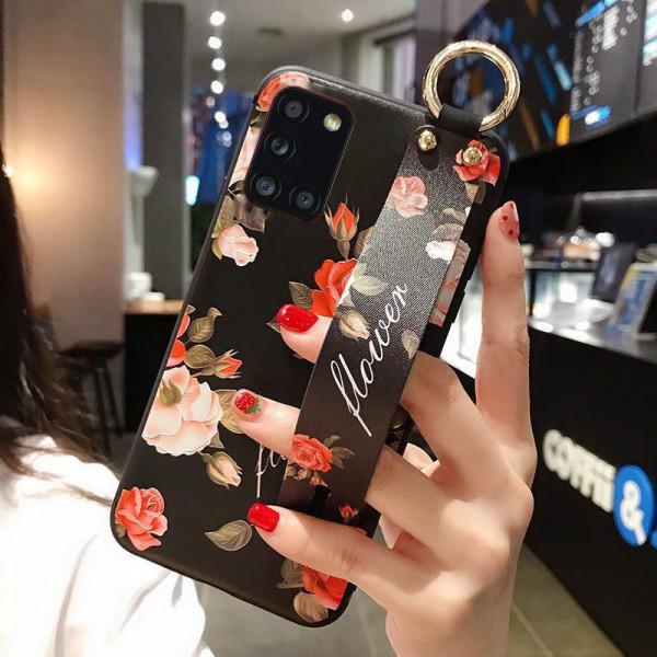Силиконовый чехол для Samsung Galaxy A31 с ремешком-подставкой Розы на чёрном