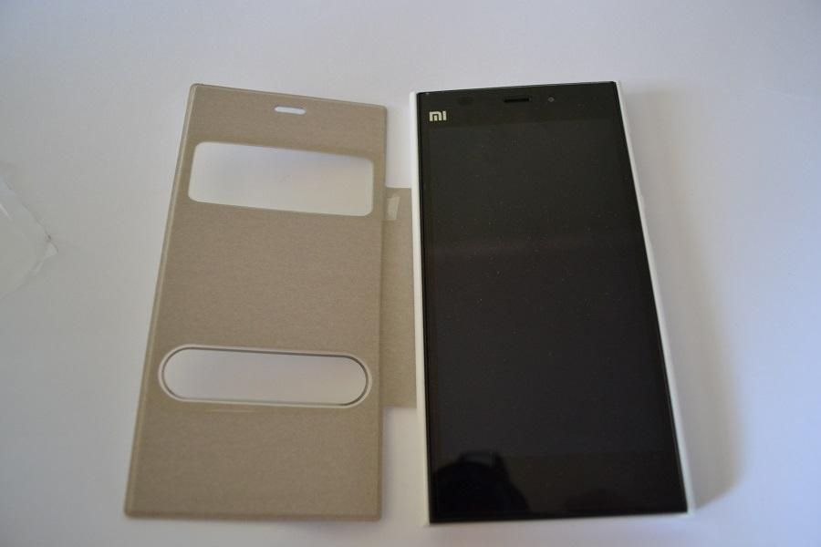 Купить чехол книжка для Xiaomi Mi3 (С вырезом для часов и звонков) (белый)
